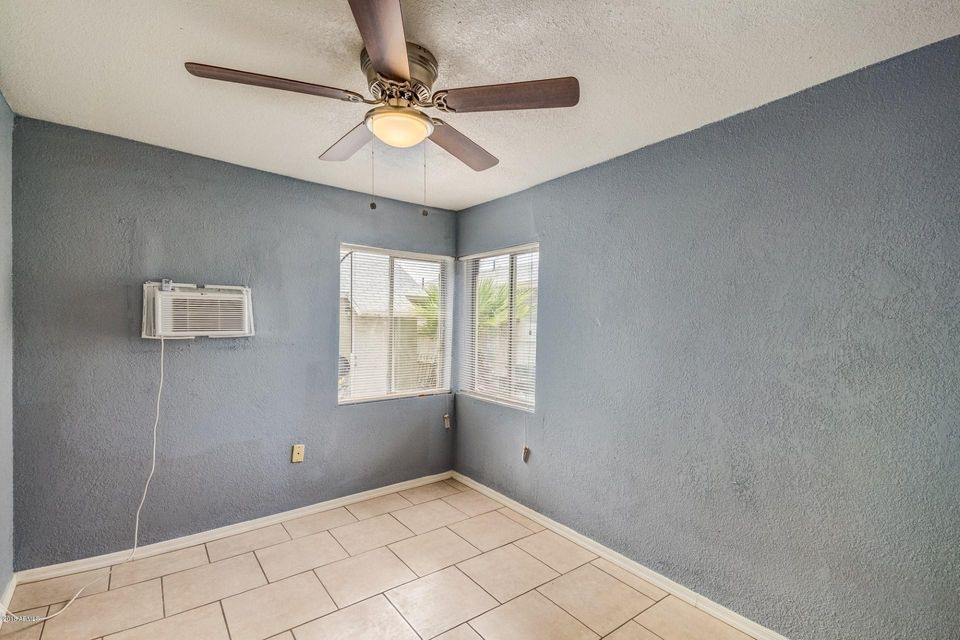 1913 N 25TH Place Phoenix, AZ 85008 - MLS #: 5800917