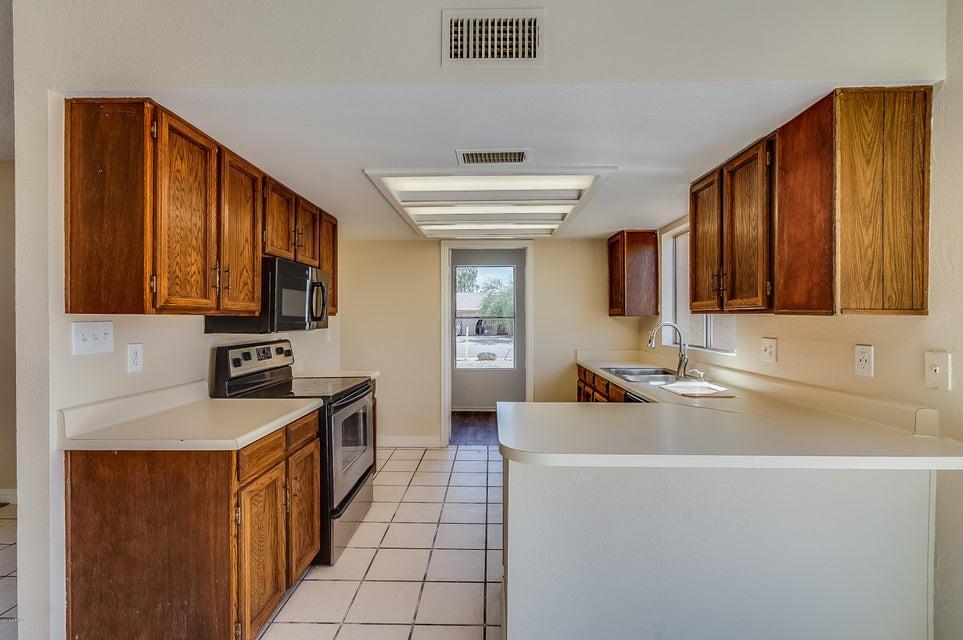 2938 W WOODRIDGE Drive Phoenix, AZ 85053 - MLS #: 5818489