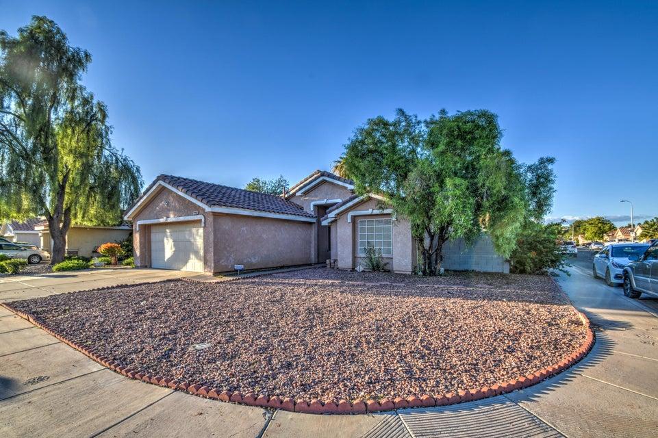 9946 W MONTEROSA Avenue, Phoenix, AZ 85037