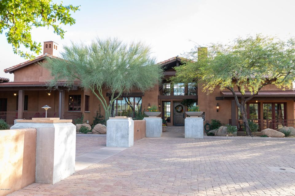 Photo of 815 W Bridle Path, Wickenburg, AZ 85390