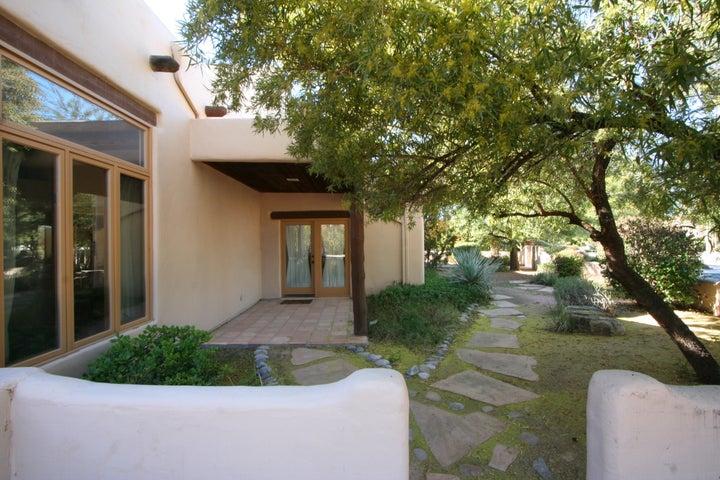 3851 E JUNIPER Street, Mesa, AZ 85205