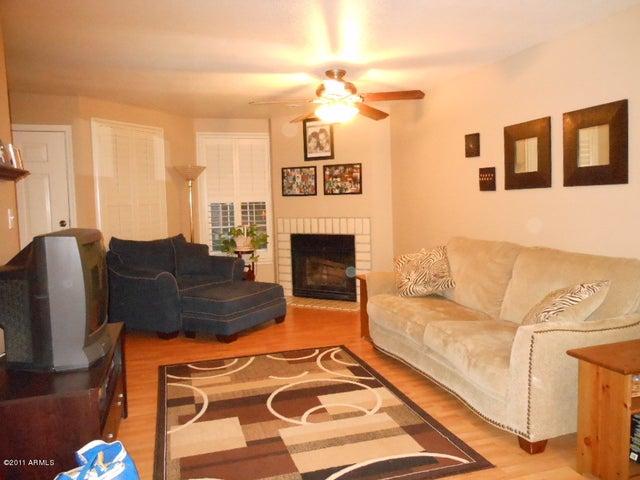 1505 N CENTER Street, 202, Mesa, AZ 85201