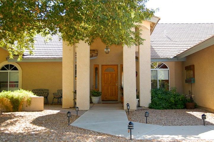 573 E COMMERCE Avenue, Gilbert, AZ 85234