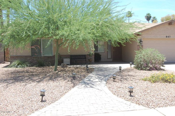 847 W Laguna Azul Avenue, Mesa, AZ 85210