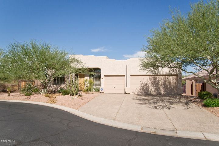 Premium lot placement, end of cul de sac with desert and privacy and views!