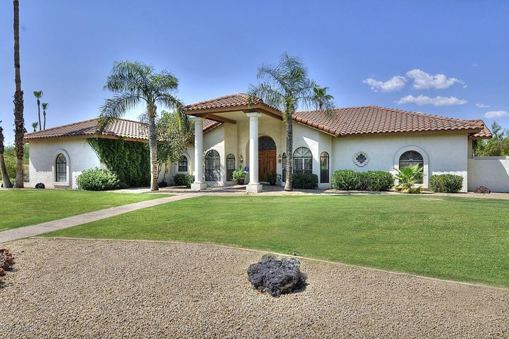 Welcome to your custom home in Scottsdale.