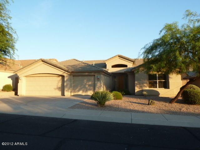 5 bedroom, 3 bath showplace with neutral decor and mountain views!