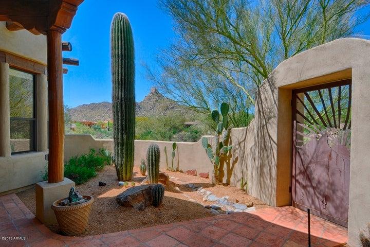 10477 E Quartz Rock Road, Scottsdale, AZ 85255