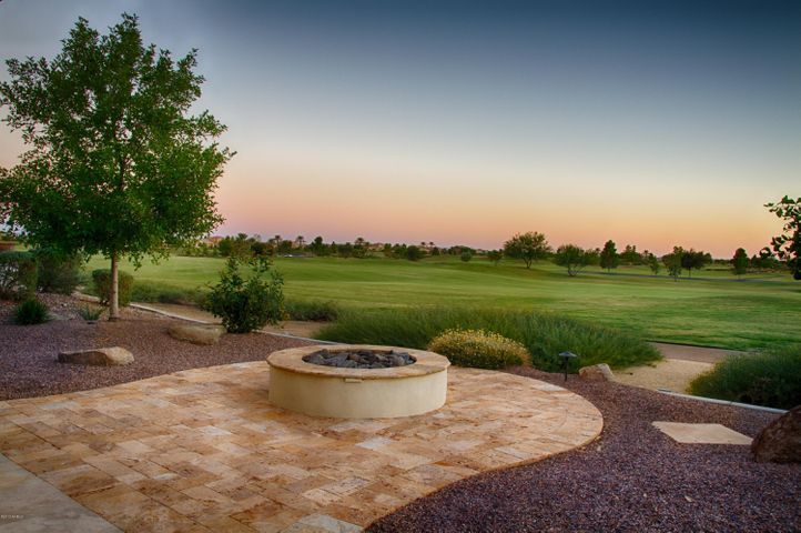 Enjoy the Arizona sunsets overlooking the golf course!
