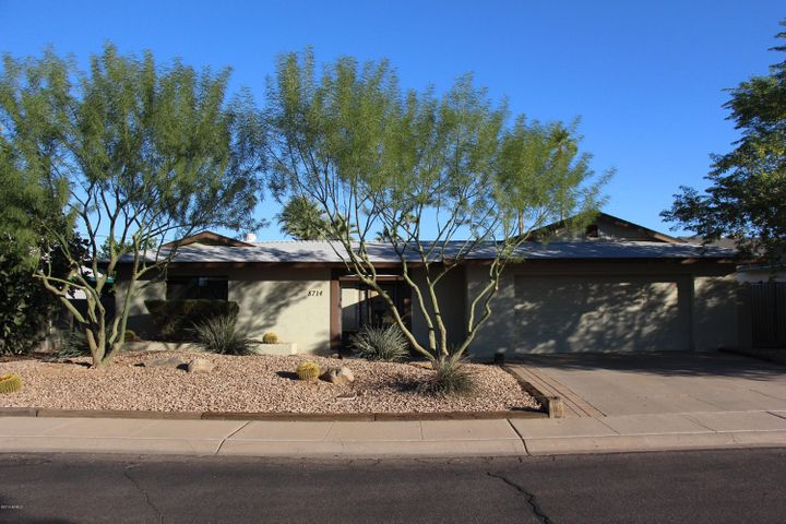 8714 E MALCOMB Drive, Scottsdale, AZ 85250