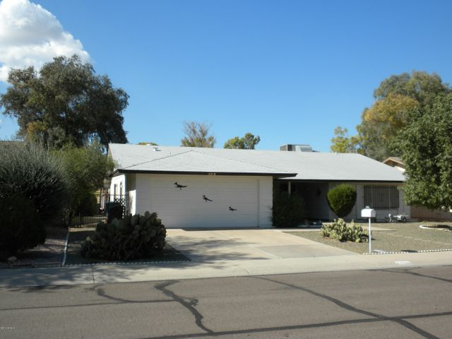 11210 S SHOSHONI Drive, Phoenix, AZ 85044