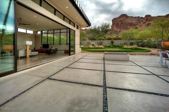 Beautiful Back Yard- 6002 N 52nd Pl, Paradise Valley, AZ