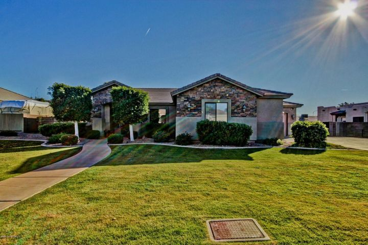 7127 E GRANDVIEW Street, Mesa, AZ 85207
