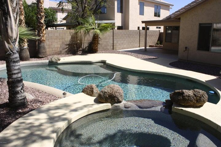 1620 E TREMAINE Avenue, Gilbert, AZ 85234