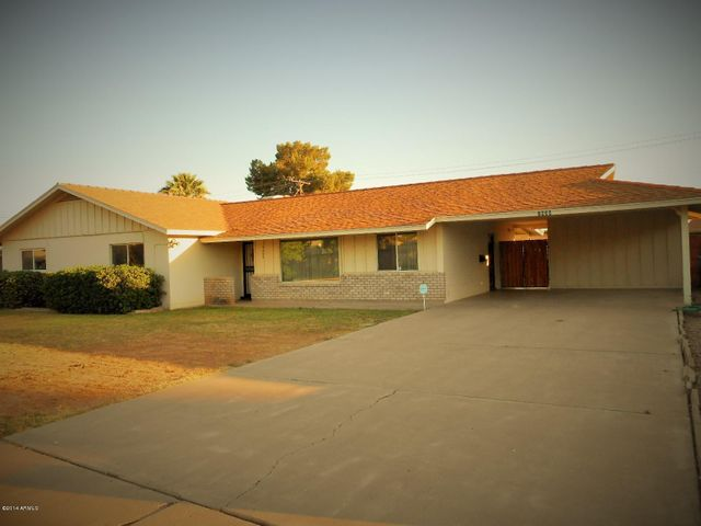 Welcome Home To Your North Central Phoenix Classic Ranch!