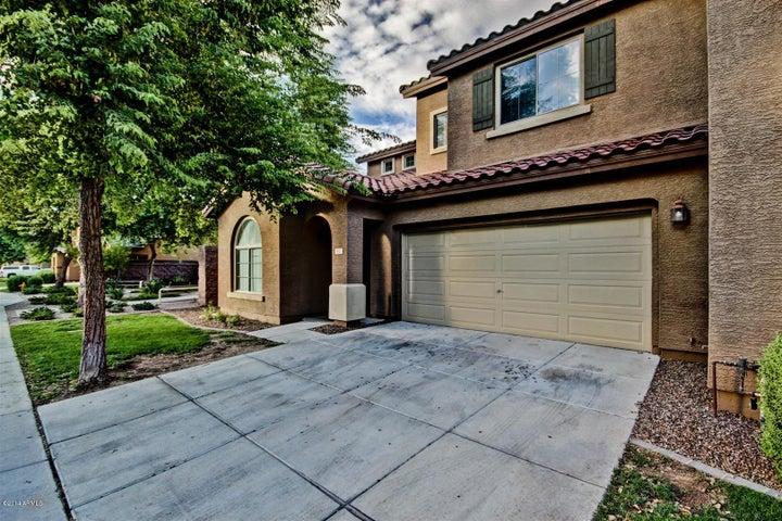 3821 S LAUREL Way, Chandler, AZ 85286