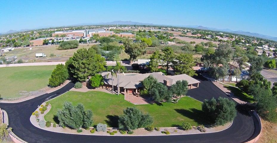 1265 S GILBERT Road, Gilbert, AZ 85296