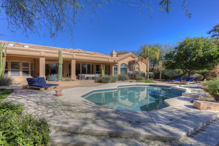 7101 E BERNEIL Lane, Paradise Valley, AZ 85253