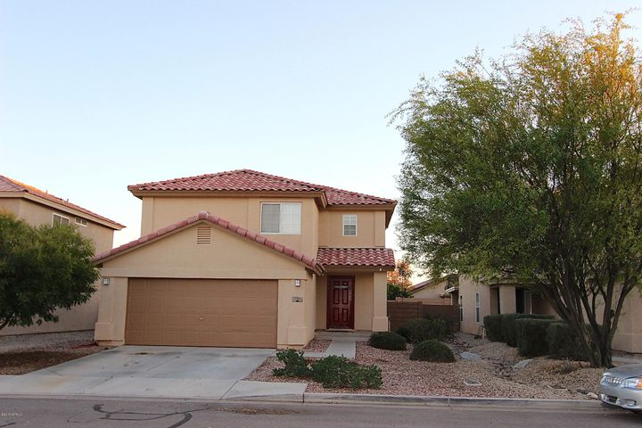 1135 E DESERT HOLLY Drive, San Tan Valley, AZ 85143