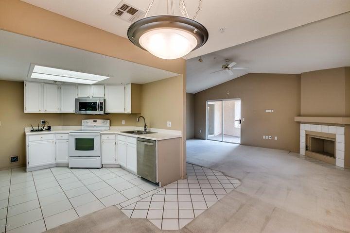 9715 N 94TH Place, 212, Scottsdale, AZ 85258
