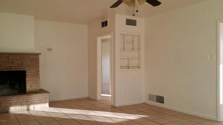 5852 W Orangewood Avenue, Glendale, AZ 85301