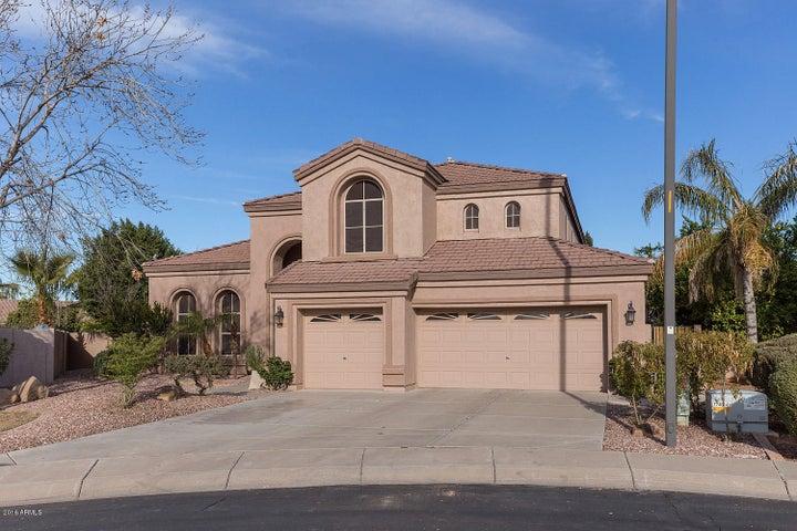 128 N VELMA Drive, Gilbert, AZ 85233