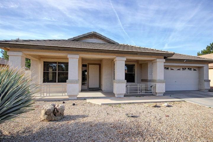 2205 E CATCLAW Street, Gilbert, AZ 85296