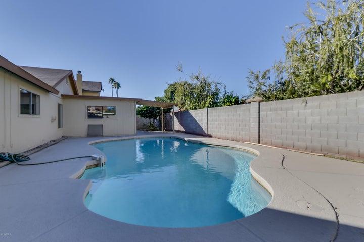 2442 W ACOMA Drive, Phoenix, AZ 85023