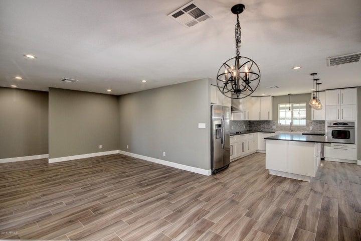 8231 E HAZELWOOD Street, Scottsdale, AZ 85251