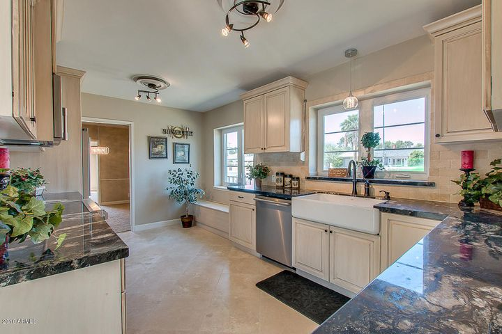 542 W HOLLY Street, Phoenix, AZ 85003