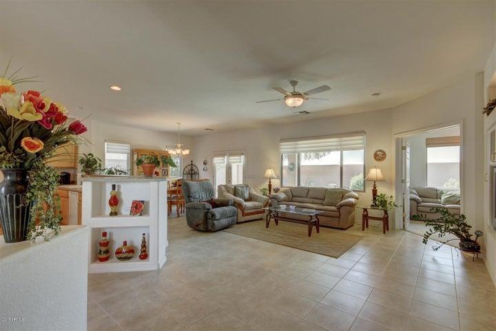 3151 E GLENEAGLE Drive, Chandler, AZ 85249