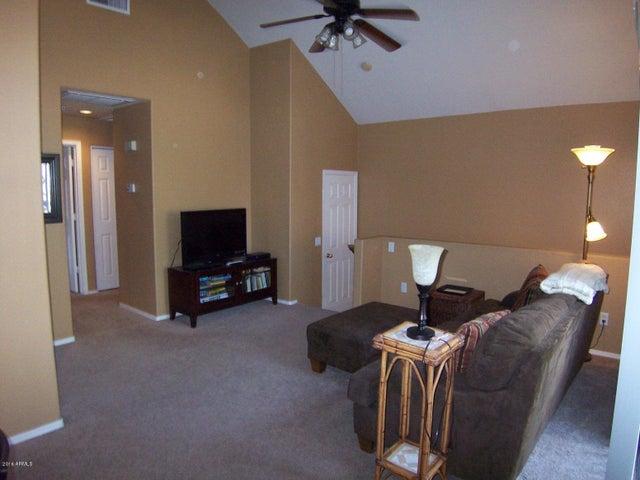 1633 E LAKESIDE Drive, 117, Gilbert, AZ 85234