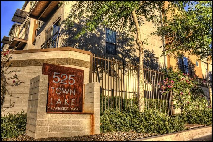 525 W LAKESIDE Drive, 104, Tempe, AZ 85281