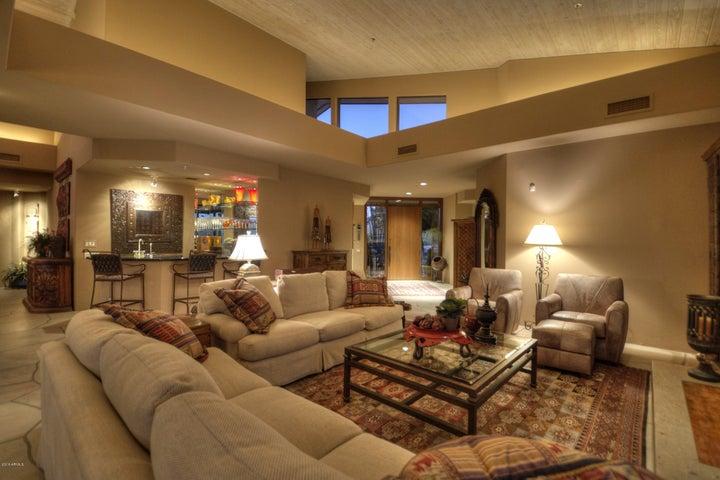10639 E FERNWOOD Lane, Scottsdale, AZ 85262