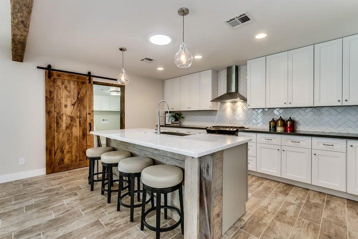 8238 E INDIANOLA Avenue, Scottsdale, AZ 85251