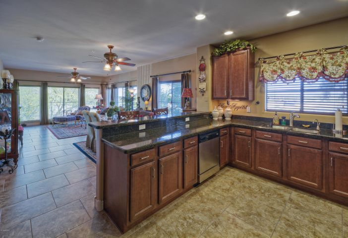 5350 E DEER VALLEY Drive, 2402, Phoenix, AZ 85054