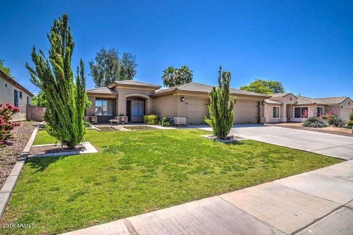 2555 E MORGAN Court E, Gilbert, AZ 85295