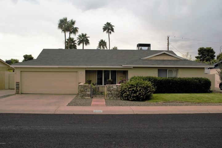 8431 E PICCADILLY Road, Scottsdale, AZ 85251