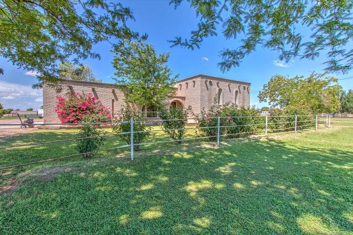 2910 E RYAN Road, Gilbert, AZ 85297