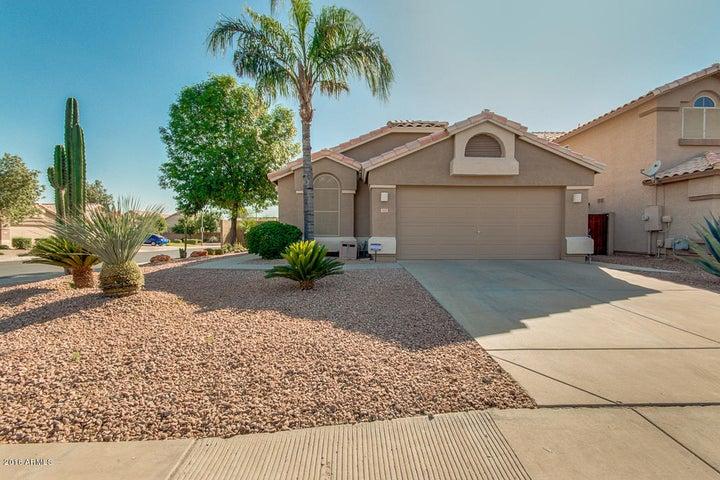 948 N COLE Drive, Gilbert, AZ 85234