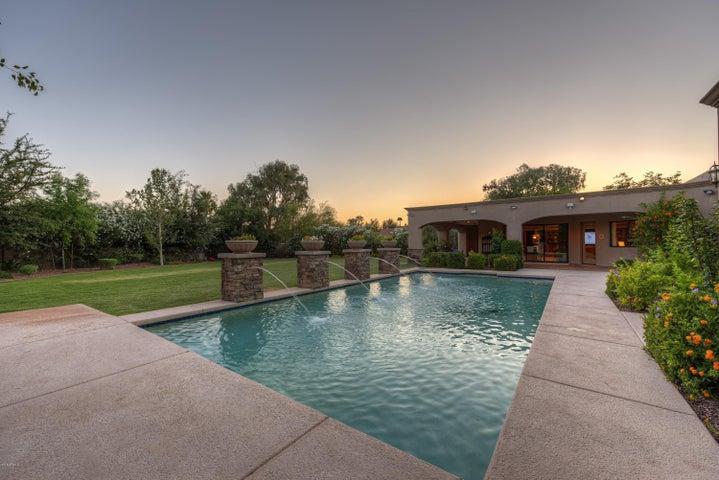 5425 E SHANGRI LA Road, Scottsdale, AZ 85254