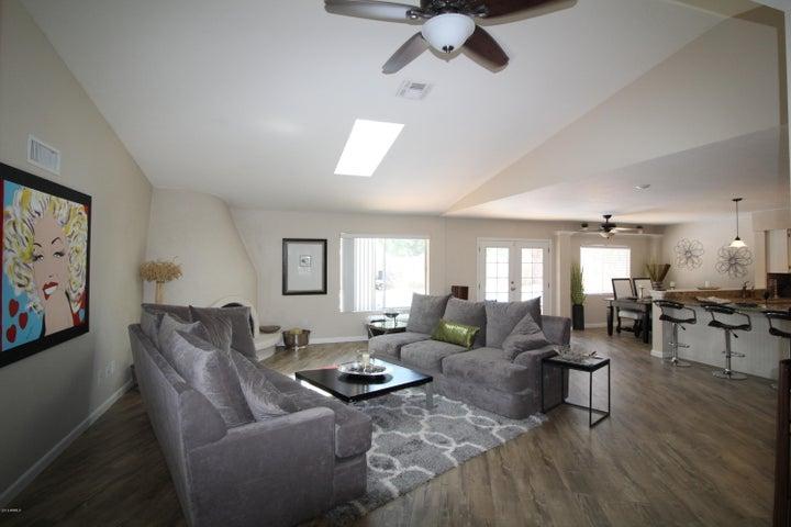 10011 N 74th Place, Scottsdale, AZ 85258