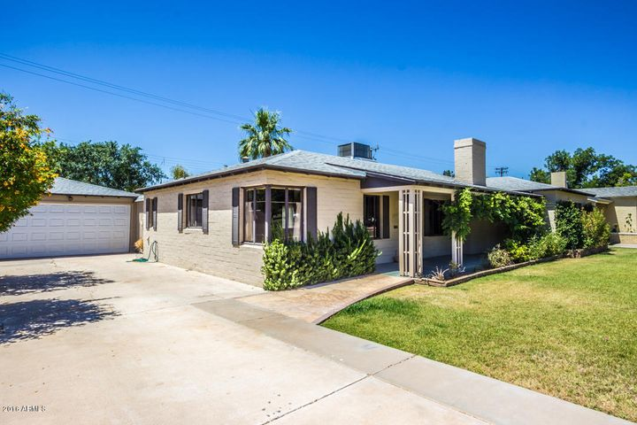 Remodeled and Updated 1938 Early Executive Ranch Home in Del Norte Historic District with beautiful park views....