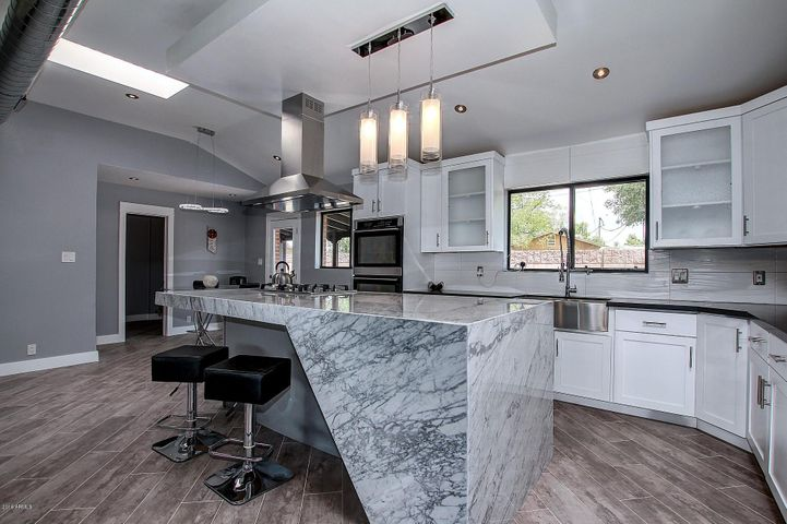 1820 E HAZELWOOD Street, Phoenix, AZ 85016