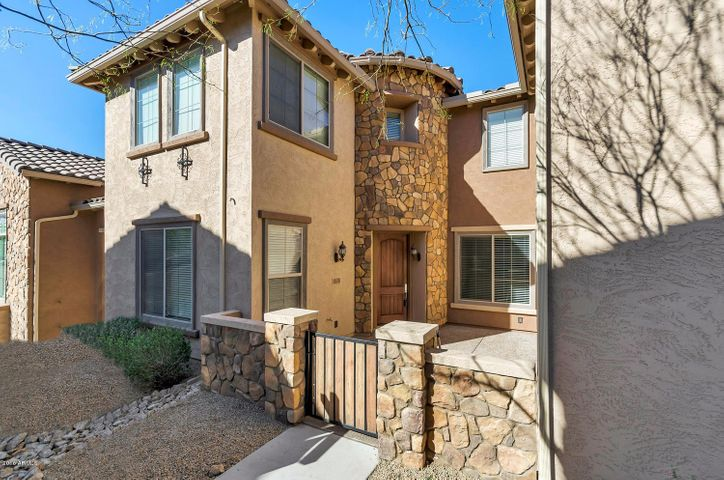 3874 E CAT BALUE Drive, Phoenix, AZ 85050