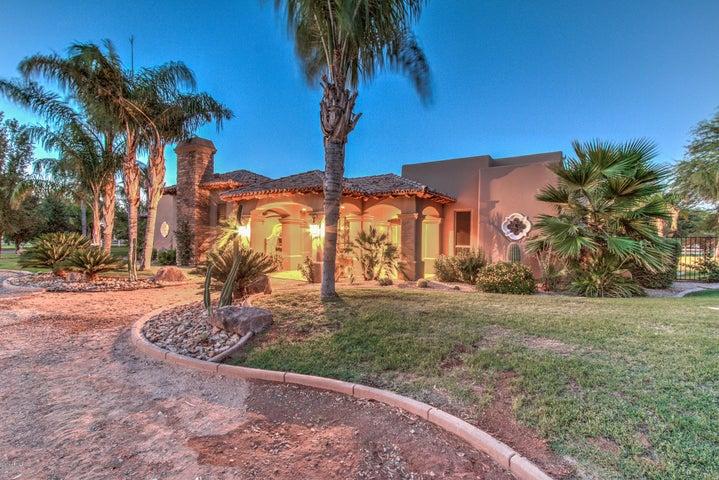 21311 S LINDSAY Road, Gilbert, AZ 85298