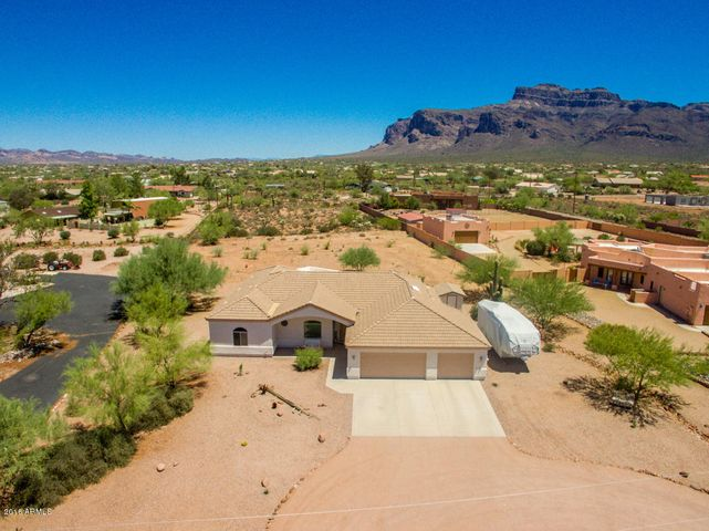 Here it is - your future home nestled at the base of Superstition Mtns.