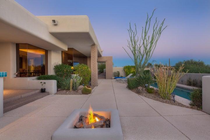 11199 E GRAYTHORN Drive, Scottsdale, AZ 85262