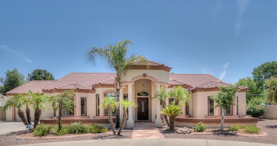 537 N RIATA Street, Gilbert, AZ 85234