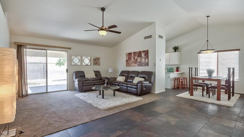 1220 E PRINCETON Avenue, Gilbert, AZ 85234
